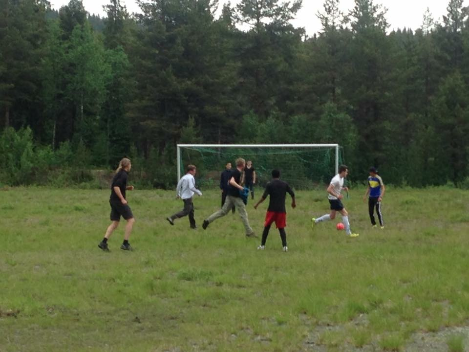 Football game with young refugees against the rest, result 2-2. Photo CG.